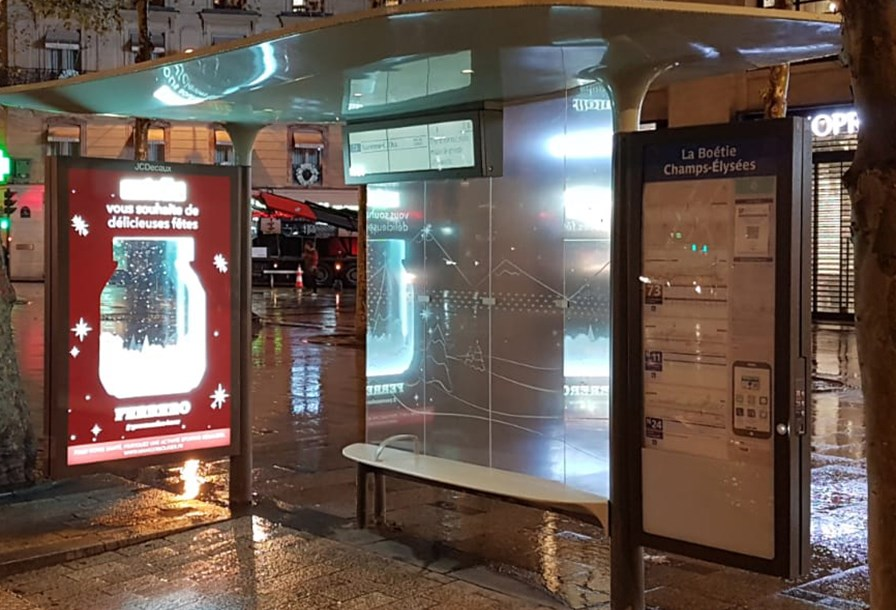 JCDecaux France | Bus Shelter Special Build | Ferrero | Ferrero | Ferrero transformed two passenger shelters in Paris, lighting up the streets with a rear window covering to festively showcase it's Nutella and Ferrero Rocher range.
